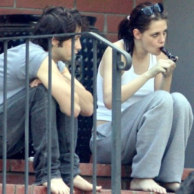 kristen-stewart-smoking-pot-weed-twilight-robert-pattinson-photos-pictures-pics-4